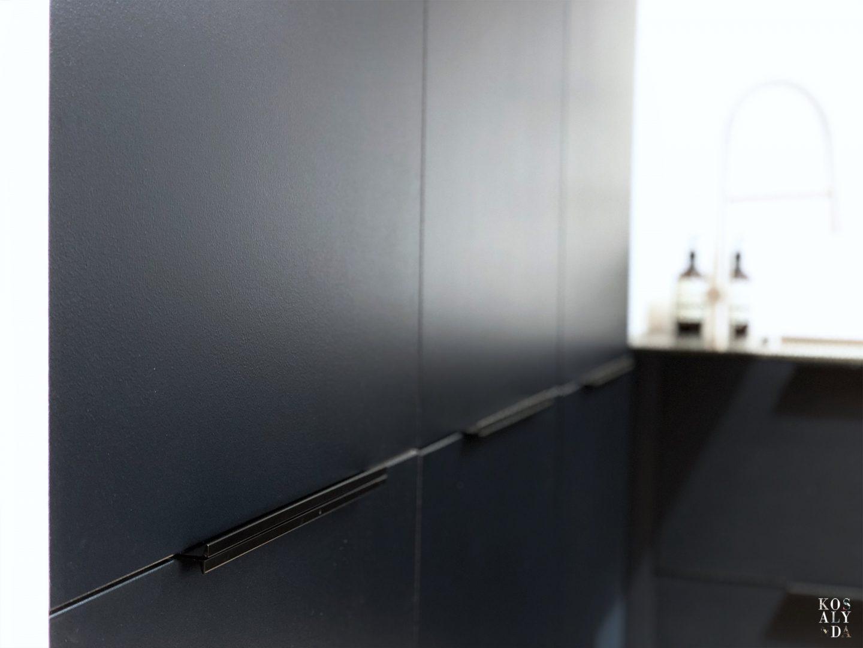 cuisine noir bleu tendance design