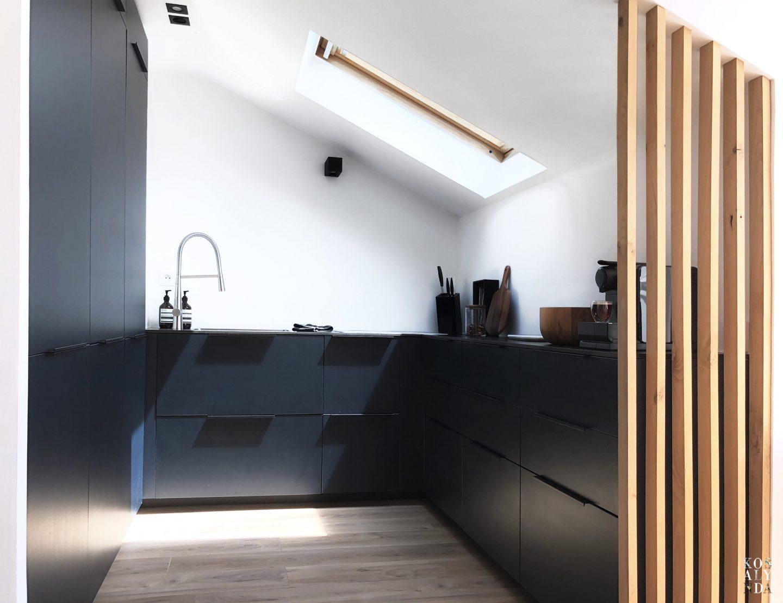 Charmant Cuisine Noir Bleu, Design Minimaliste Dark