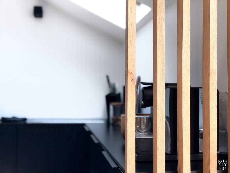 cuisine sous pente noir bleu bois